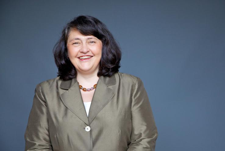Nicole Martin, Alumna